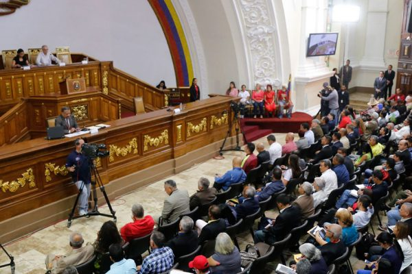 Constituyente levanta la inmunidad parlamentaria a Juan Guaidó
