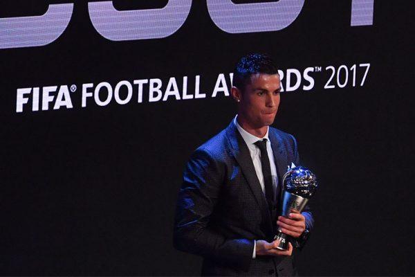 Con Ronaldo y Zidane, Real Madrid arrasa en premios FIFA