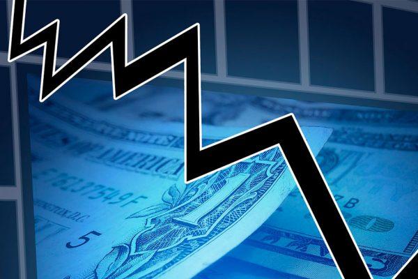 Sexto año de recesión: PIB caerá 33,8% y el consumo bajará 29,5% en 2019