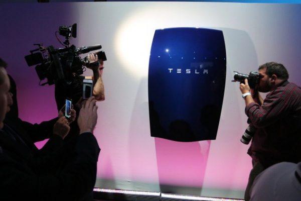 Acciones de Tesla sufren la mayor caída en dos años