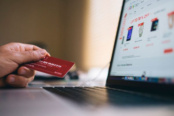 Los montos máximos para transferencias a través de la banca en línea