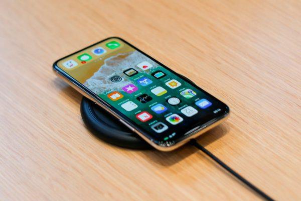 Apple bajará a la mitad objetivo de producción del iPhone X