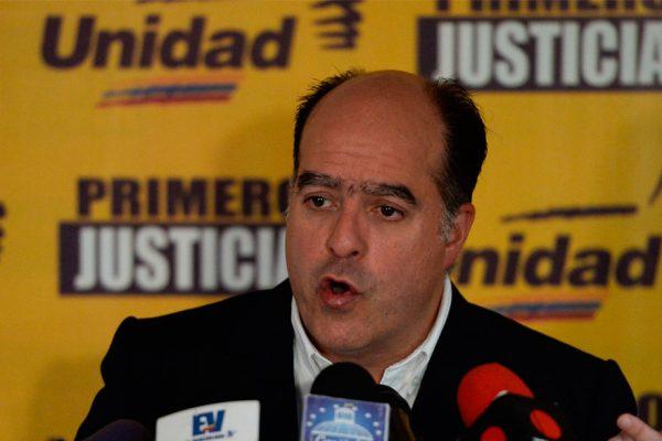 Colombia otorgó condición de refugiado a Julio Borges