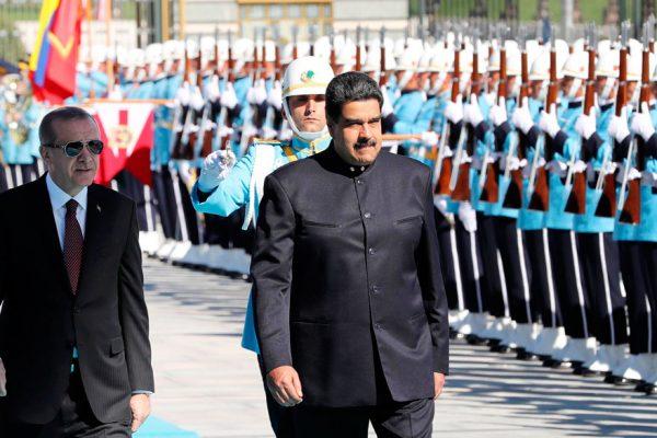 Venezuela y Turquía firman cinco nuevos acuerdos de cooperación