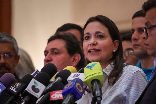 María Corina denuncia que fue agredida por chavistas