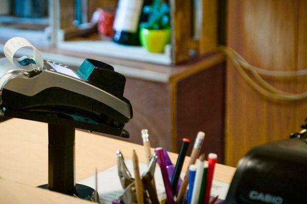 Más de 6.700 negocios dejaron de tener puntos de venta