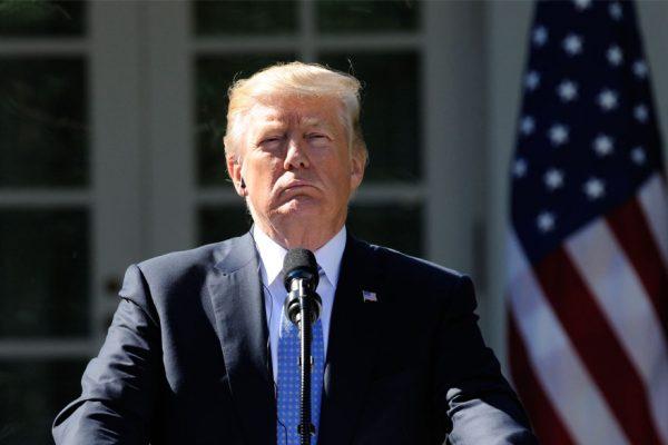 Trump amenaza con una paralización del gobierno en septiembre