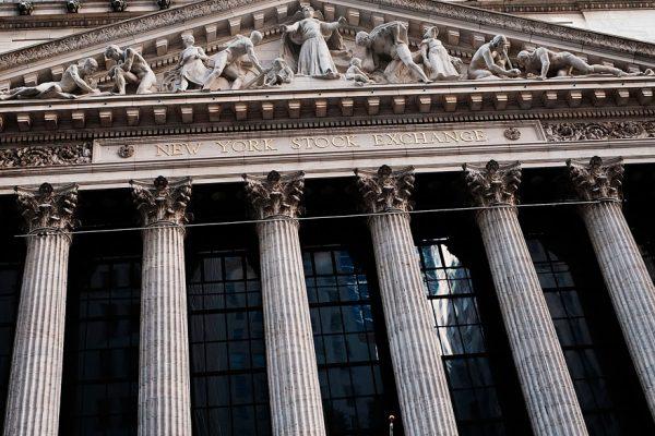 El Dow Jones supera por primera vez los 23.000 puntos