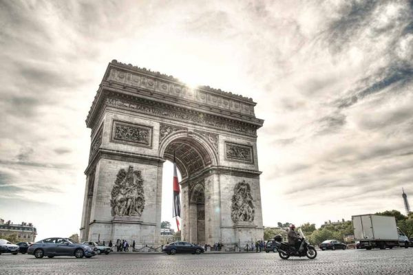 Francia prorroga estado de emergencia sanitaria hasta el 24 de julio