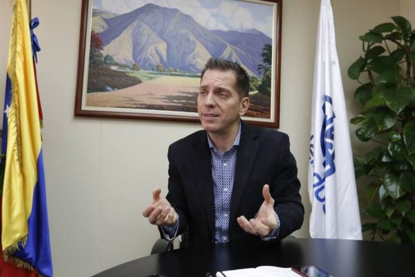 Camacho: Hay un cerco financiero complicado en Venezuela