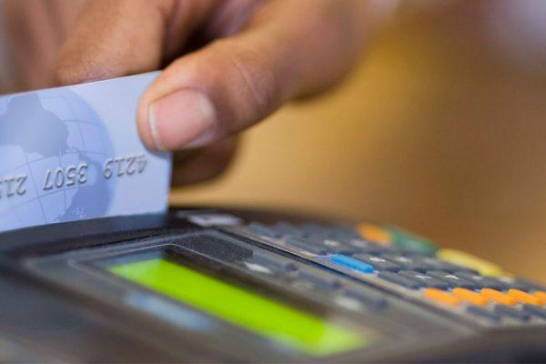 Medida de pago de cestaticket en talonario y tarjeta genera rechazos