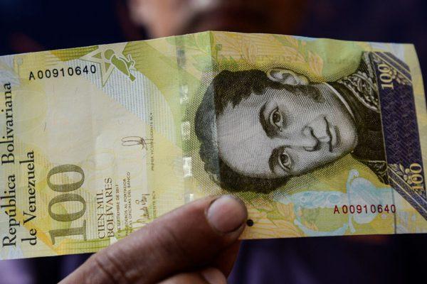 EFE: Billete de 100.000 bolívares vale más para vender que para comprar