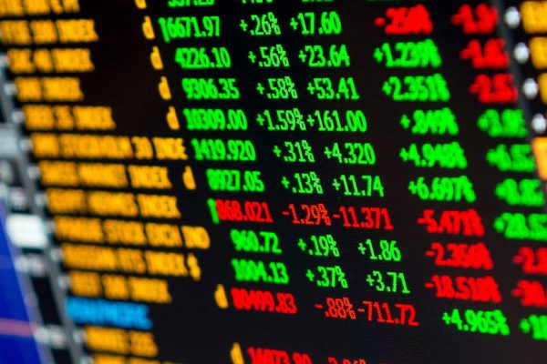 Deuda soberana denominada en dólares avanza de 0.08 puntos