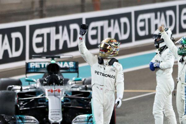 Bottas y Mercedes terminan 2017 en la cima al conquistar Abu Dabi