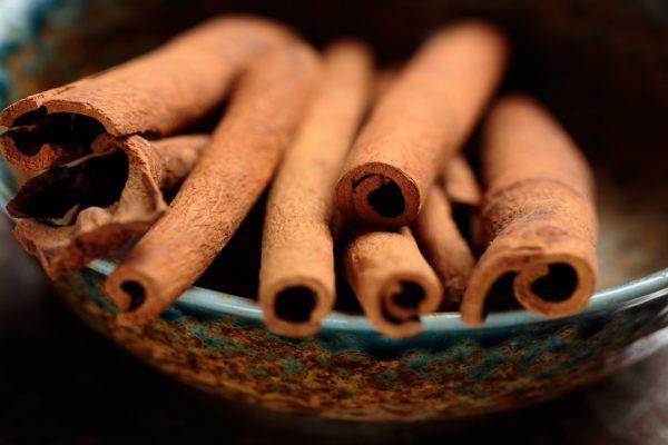 Investigación revela poder de la canela para quemar la grasa