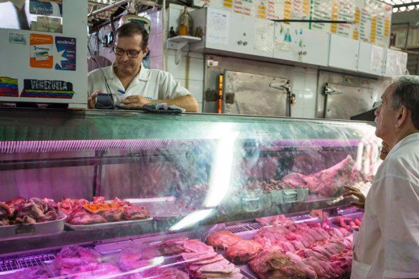 Fedenaga: Se podría manejar precio de la carne a un dólar libre por kilo