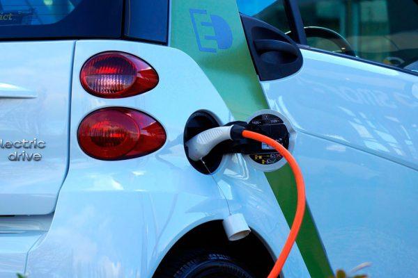 Latinoamérica se ahorraría $64.000 millones con carros eléctricos