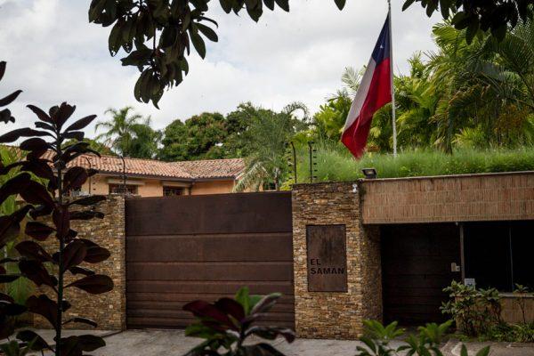 Leopoldo López deja embajada chilena y se traslada a la misión española