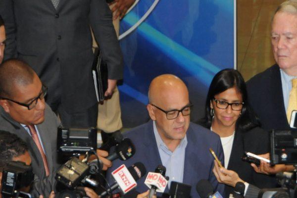 Gobierno no firmará acuerdo con la oposición si persisten sanciones