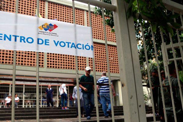 Observación contra acompañamiento electoral