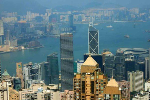 Facebook, Twitter y Google dejarán de colaborar con la Policía de Hong Kong