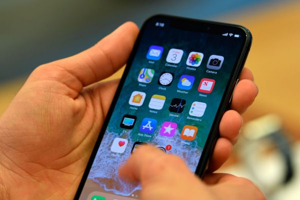 Fallo judicial contra Apple amenaza venta de iPhones en Alemania