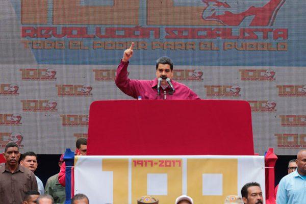 Análisis | Maduro mantiene la vista en el premio mayor