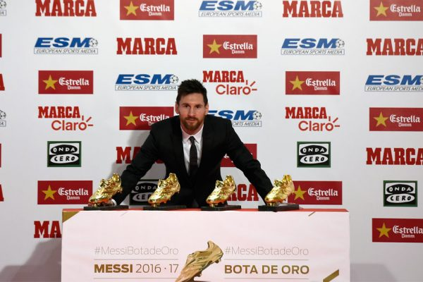 Messi renueva con el Barcelona hasta 2021