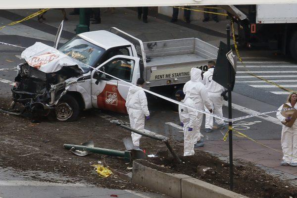 Autoridades califican ataque que dejó 8 muertos en Nueva York como