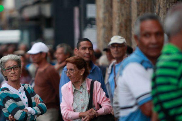 La pensión de agosto se cobrará en bolívares soberanos
