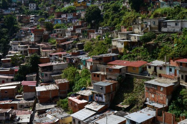 Pobreza en Venezuela subió a 87% en 2017