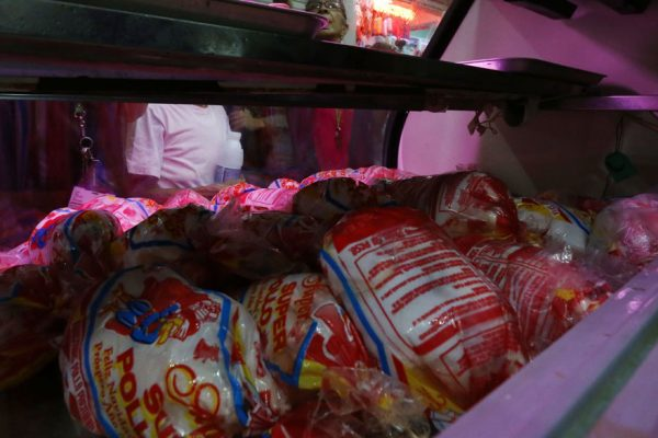 Venezuela produjo hasta mayo un promedio de apenas 30.000 toneladas de pollo