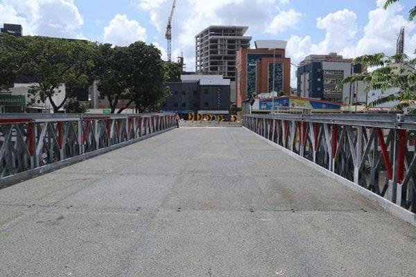 Reactivan puentes metálicos de la autopista Francisco Fajardo