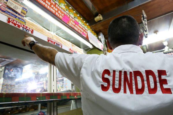 Sundde fiscalizó ventas en tres cadenas de supermercados en Caracas