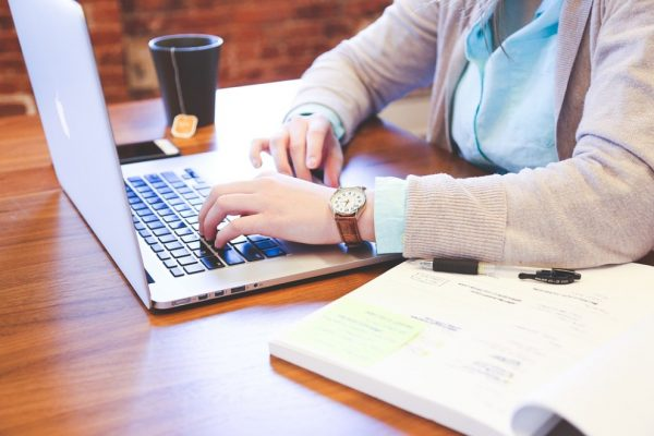Las claves del éxito laboral, según mujeres en altos puestos en EEUU