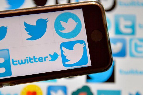 Acciones de Twitter caen por temor sobre base de usuarios
