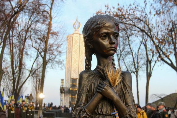 Ucrania recuerda a víctimas de la gran hambruna bajo Stalin