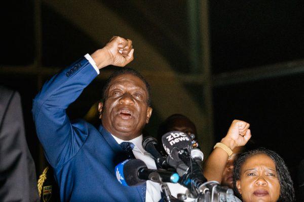 La economía, prioridad número 1 tras la caída de Mugabe