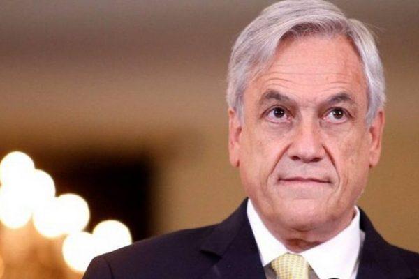 Piñera reestructura su gabinete y destituye al canciller Roberto Ampuero