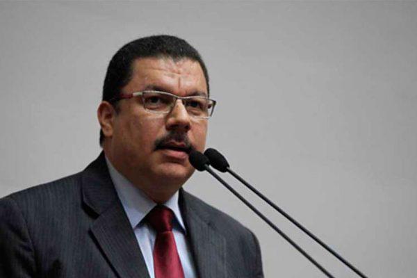 Calzadilla: Seguimos trabajando para aprobar un acuerdo político y humanitario