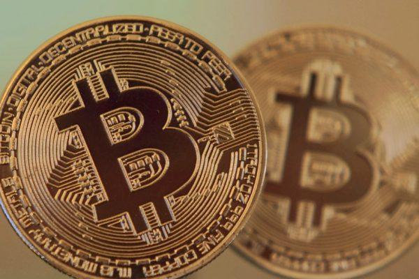 El bitcoin se desploma un 25% desde su último récord: ronda los US$48.400