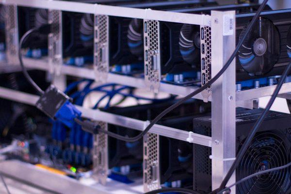 VIT ensamblará máquinas para minería de criptomonedas