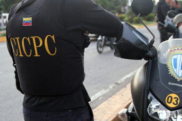 CICPC investiga derrumbe de pasarela entre Parque Central y San Agustín