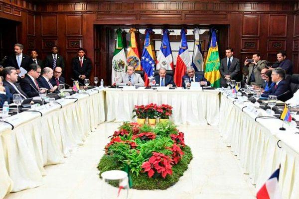 Negociación entre Maduro y la oposición pisa terreno pantanoso