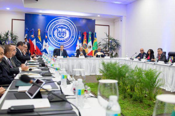 Rodríguez: Faltan por acordar dos puntos en el diálogo