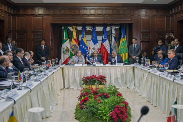 Arranca diálogo en República Dominicana bajo la mirada internacional