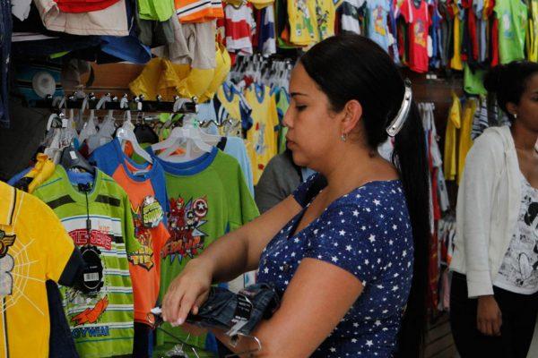 Ministerio de Comercio anuncia que garantizará la compra de estrenos y regalos navideños