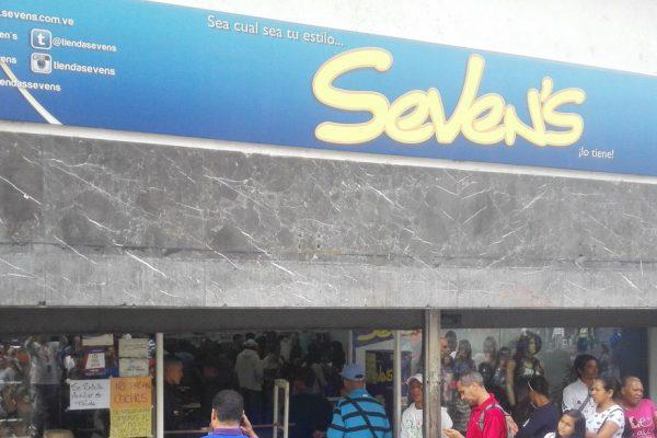 Sundde ordena rebaja de 50% en la cadena de tiendas Seven's