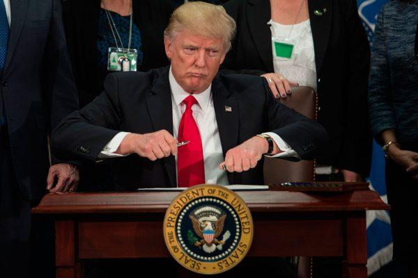 La cruzada de Trump, un desafío sin precedentes para la democracia de EE.UU