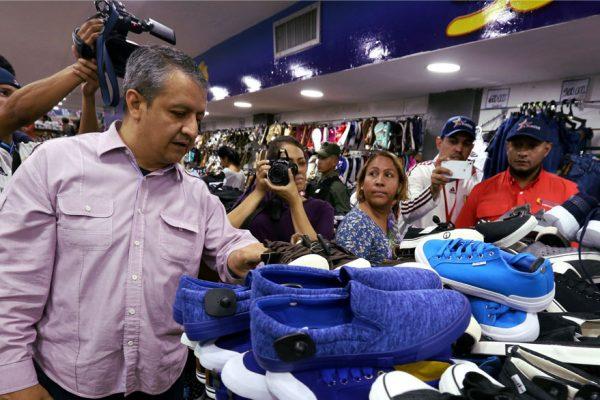 EEUU sanciona a otros cuatro funcionarios de Maduro